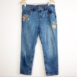 Old Navy Floral Embroidered Boyfriend Jeans 12